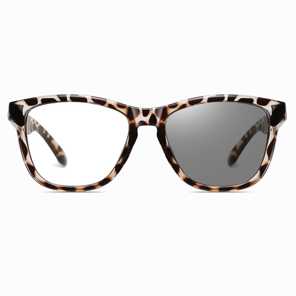 square eyeglasses with photochromic lenses