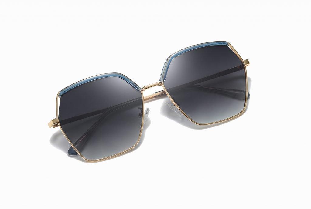 Gray gradient lens, square sunglasses for women