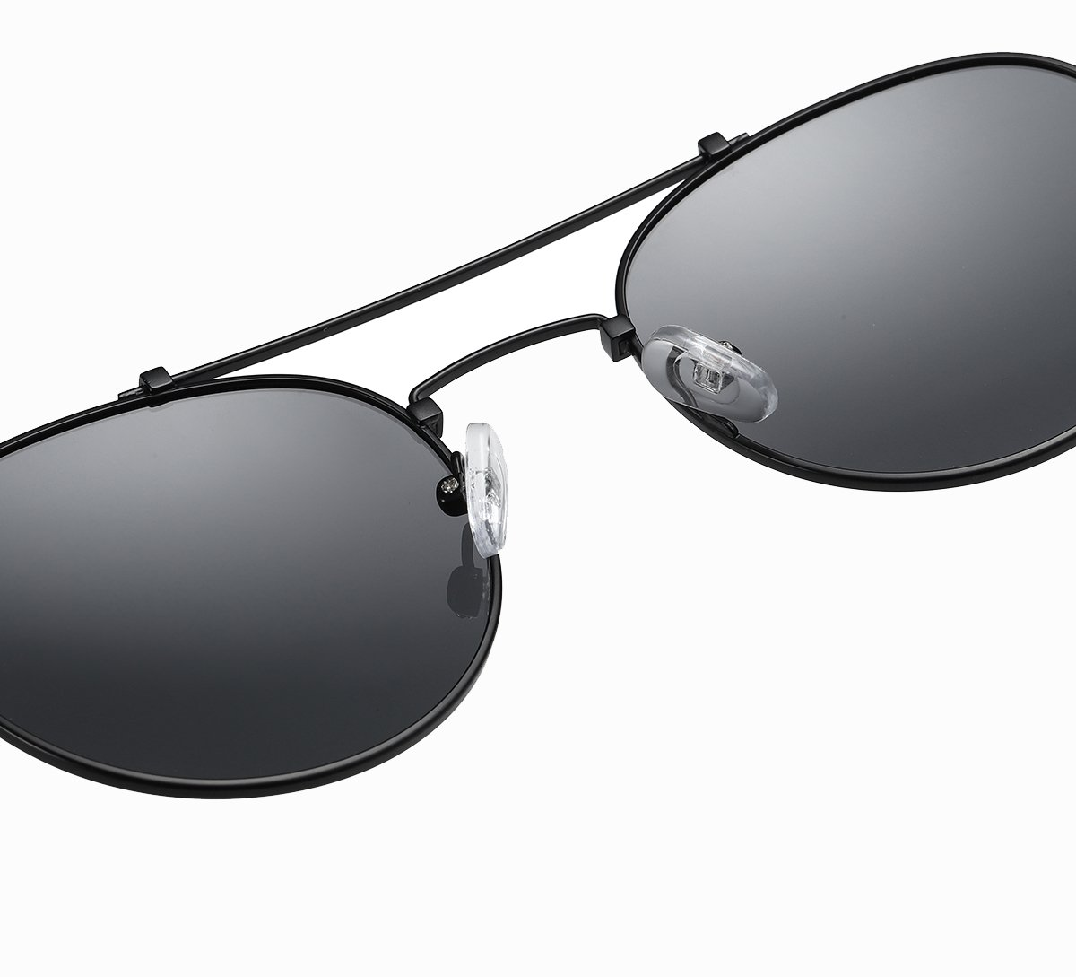 Double bridge sunshade, black frames and lenses